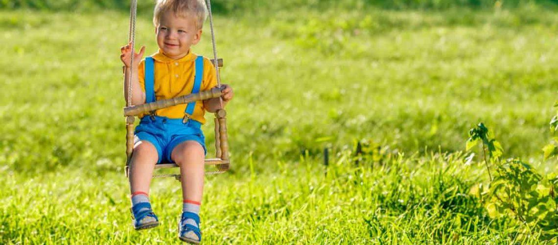 איך לבחור נדנדה לגינה לתינוקות